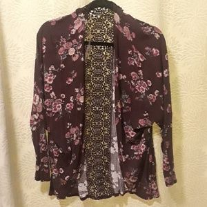 (2 for $20) NWOT Floral sweater size Medium